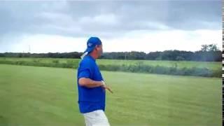 preview picture of video 'Alan Szabo En Hormigueros RC Club Cortando Grama'