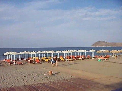 Platanias beach and hotel