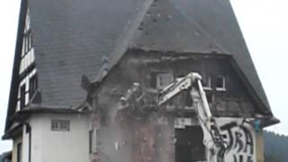 preview picture of video 'Abriss Bahnhof Mitwitz'