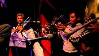 Waltiño & Roberto Roena en el Jazz Zone (www.mambo-inn.com)