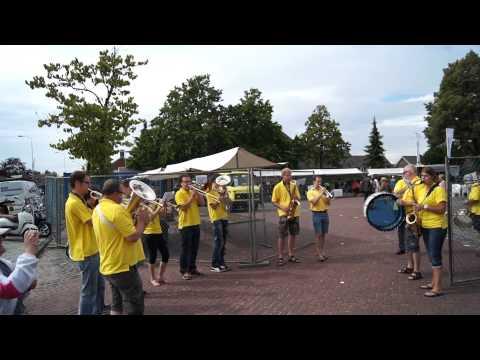 Banda en el Zomerspektakel de Oeffelt, Holanda