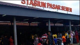 Jelang Libur Panjang Akhir Pekan, Stasiun Pasar Senen Penuh Sesak