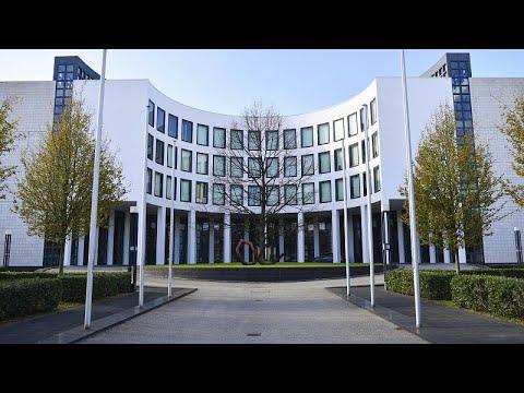 """Γερμανία: """"Εν μέρει αντισυνταγματικό"""" το πρόγραμμα αγοράς ομολόγων της ΕΚΤ του 2015…"""