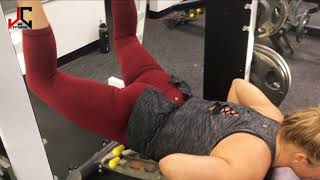 Working GLUTES with jujitsu fighter Laura Weldon