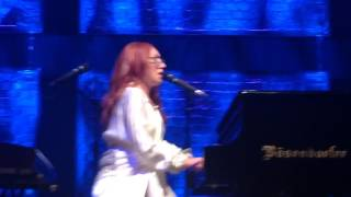 "Tori Amos- ""Datura"" section of ""Take To The Sky"" live in Da"