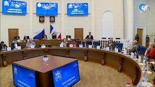 Андрей Никитин выступил с докладом о социально-экономическом развитии региона в первом полугодии 2018-го