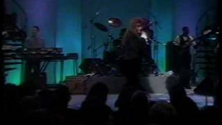 "Wynonna Live ""She Is His Only Need"""