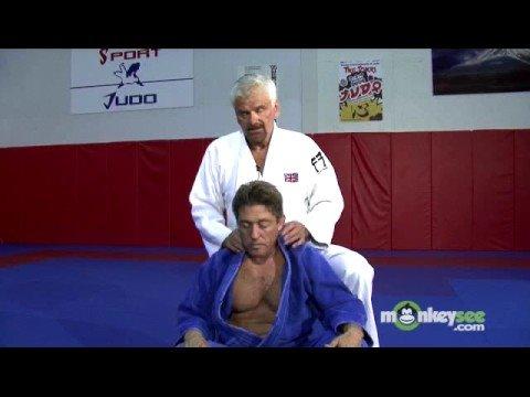 Basic Judo - Chokes