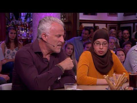 """Kritiek op MH17-column: """"Waar ben je al die tijd geweest?  - RTL LATE NIGHT/ SUMMER NIGHT"""
