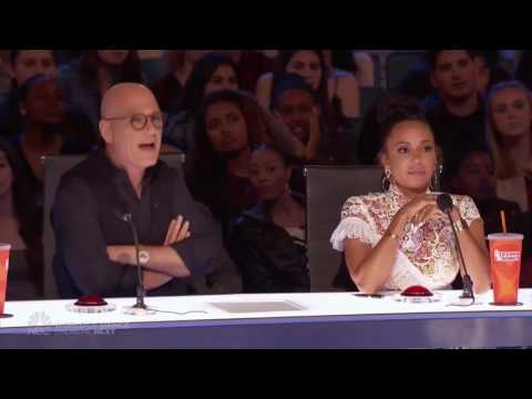 ESCAPE ARTIST!! America's Got Talent 2017 Demian Aditya (видео)