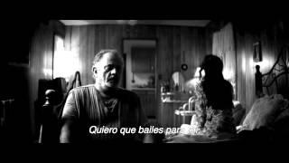 Tráiler Inglés Subtitulado en Español A Girl Walks Home Alone At Night