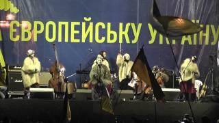"""Dakh Daughters на Євромайдані 08.12.2013 - """"Ганнуся"""""""