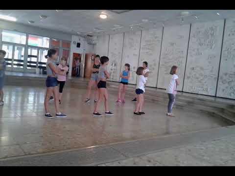 StreetDance zenéjéből készült koreográfia haladó zumbásokkal