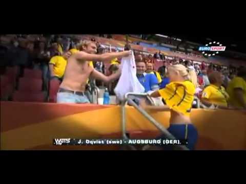 Schwedische Fußballspielerin Tauscht ihr Trikot mit einem Deutschen Fan (unsencored) !!!!!!!!!!
