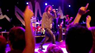 Chris Cornell - No such Thing live
