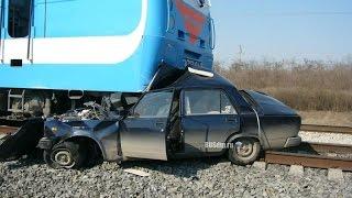 #5 18+ Автоаварии с поездами - это жесть ! Подборка жестоких ДТП HD