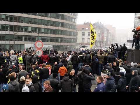 Lidé zaútočili na sídlo Evropské komise v Bruselu. Protestovali proti migračnímu paktu OSN