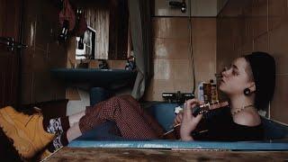 Musik-Video-Miniaturansicht zu Don't You Love Me? Songtext von Abbey Glover