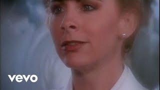 Reba McEntire, Vince Gill - The Heart Won't Lie
