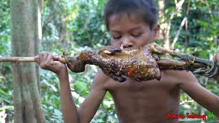 Primitive Technology - Eating delicious - Smart boy cooking chicken