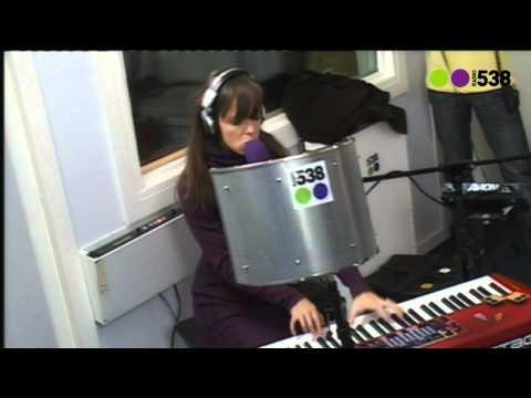 Radio 538: Laura Jansen - Wicked World (Live bij Evers Staat Op)