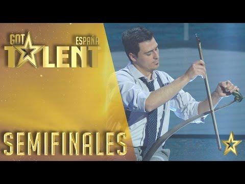 Você não vai acreditar no instrumento musical desse artista!