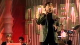 Halid Beslic - Vracam se majci u Bosnu  - ( LIVE ) - ( Poselo Godine Hala Pionir 1988 )