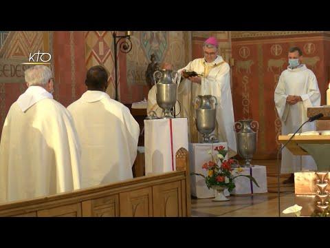 Emouvante messe chrismale à Saint-Brieuc