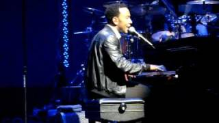 """I Can Change"" performed live by John Legend in Honolulu, Hawaii"
