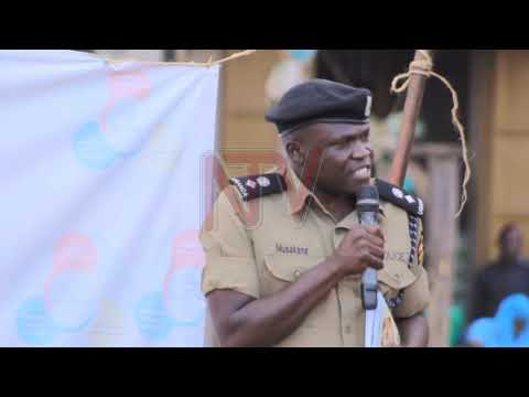 Lwaki mulina kyekubiira - Abatuuze be Luweero balangidde poliisi