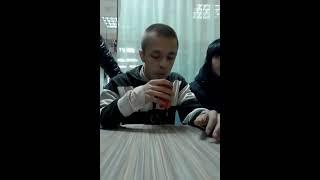 """Парень, окруженный """"нацистами"""", не побоялся высказать свое мнение! (18+)"""