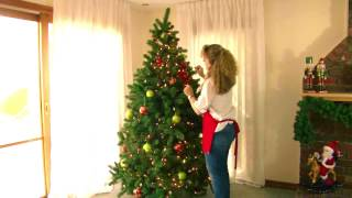 Applying a theme to your Christmas Tree Decorating