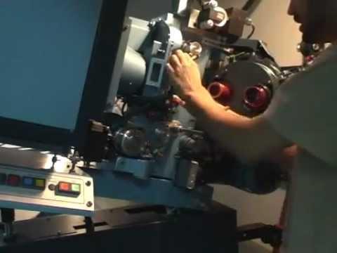 Como trabaja un proyeccionista de cine - Funcionamiento de un proyector de 35mm