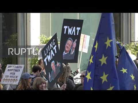 UK: Mass march demands 'People's Vote' on Brexit deal