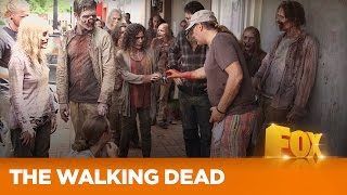 """THE WALKING DEAD    Making Of """"Thank You""""   FOX"""