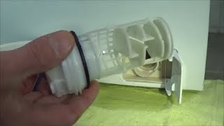Cleaning washing machine pump filter, AEG Lavamat Protex L72475FL, example lavadora movie #195