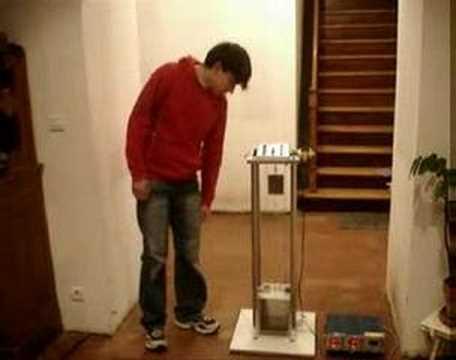 comment construire ascenseur miniature la r ponse est sur. Black Bedroom Furniture Sets. Home Design Ideas
