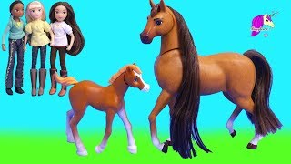Feed N Nuzzle Mare + Foal ! Baby Horse Spirit Riding Free Horses Set