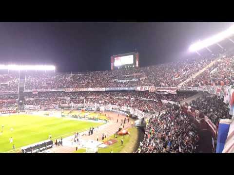 """""""River Plate: """"De la mano del Muñeco vamo' a Japón"""" - El Cultiveta (C.A.R"""" Barra: Los Borrachos del Tablón • Club: River Plate"""