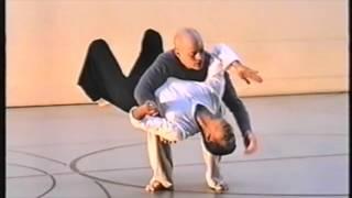 Dançando alem das formas