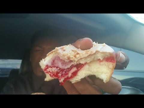 7 ELEVEN'S New PB&J Donut taste review