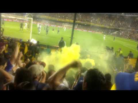 """""""Cantemos todos con alegría"""" Barra: La 12 • Club: Boca Juniors • País: Argentina"""
