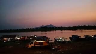 preview picture of video 'Main Fish Port Kampong Chhnang.'