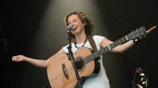 Kate Rusby - High on a Hill (with lyrics)