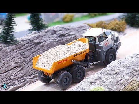 RC Liebherr Excavator 970 & Trucks In 1/87 Scale Fully Functional!!!