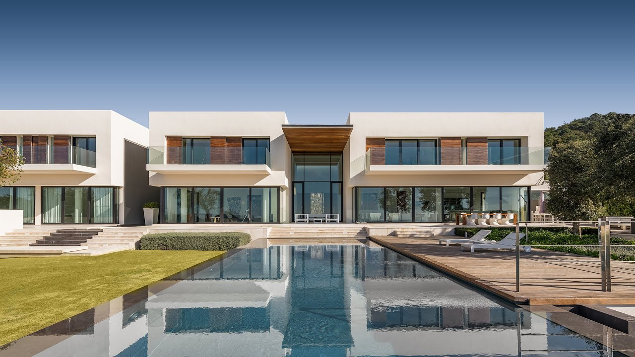 Chic Contemporary Style Luxury Villa with Panoramic Views in Zagaleta, Benahavis