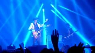 Arctic Monkeys - Reckless Serenade [Live at Earls Court, London - 26-10-2013]