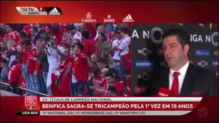 Rui Vitória Leva Banho De Champanhe Na Flash Interview BENFICA TRICAMPEÃO