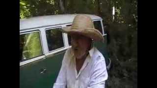 preview picture of video 'Homem preocupado com o IBAMA... Interior do Município de Novo Machado'