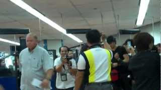 Нина Добрев и Йен Сомерхолдер, Ian Somerhalder arriving in Manila